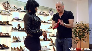 YOUMIXPORN Interactive Hardcore interracial fuck - Big ass ebony enchantress Canela Skin fucks for free shoes and gets cum on her feet 8分钟