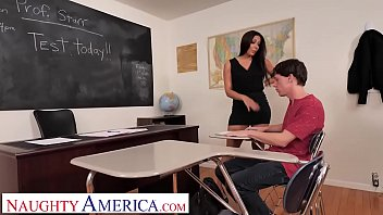 Naughty America Rachel Starr shows student how to please a woman thumbnail