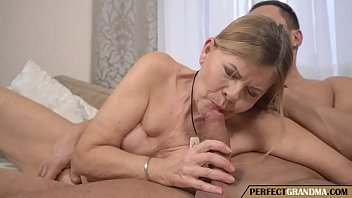 filling a really old pussy porno izle