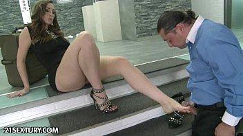 Foot Femme Fatale