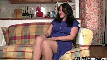 Are British Mom s Compulsive Masturbators  sturbators