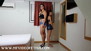 2 Slave Girls Sucking Big Muscle Ass and Pussy 5分钟