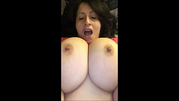 Antonella Kahllo makes her big tits bounce in time to music