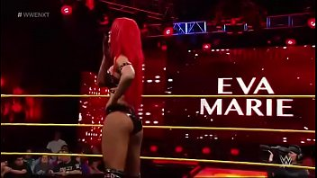 Eva Marie vs Billie Kay. NXT.