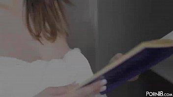 Busty Buffy strokes pink slit & rubs massive juggs Vorschaubild
