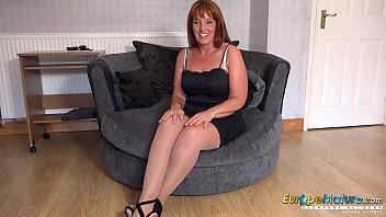 EuropeMature Hot Mature lady Solo Striptease 4 min
