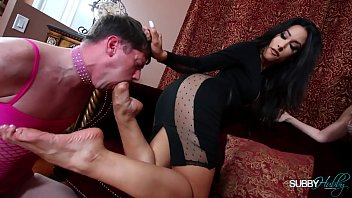 Humiliated For the Job 1: Foot Worship/Humiliated For the Job 2:Stocking Worship 16分钟
