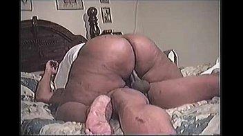 Superthick mama riding - SEXANUBIS.COM