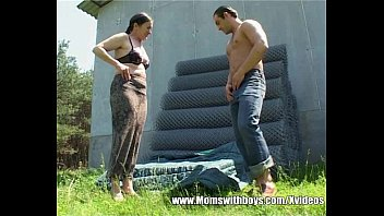 Farm sex porn - Silly farmer got lucky fucking a mature outdoor