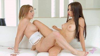 Sasha Rose and Jimena Lago in Getting social lesbians by SapphiX porno izle
