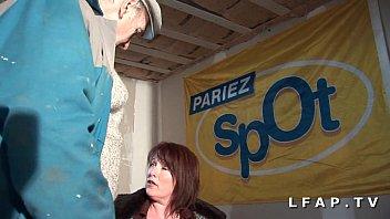 BBW Maman francaise grave sodomisee dans un trio avec Papy preview image