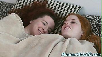 Hairy teens muff Mormon lesbian eats muff