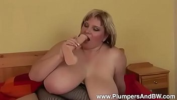 PLUMPERS - BBW Juliana Pleases Her Fat Pussy