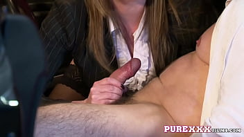 Streaming Video Red haired cougar Holly Kiss fucking hard - XLXX.video