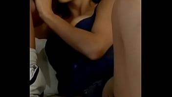 Novinha pagando Belo boquete e mostrando a buceta