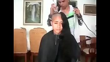 16619 مغربية سوسية تحلق شعرها الطويل preview