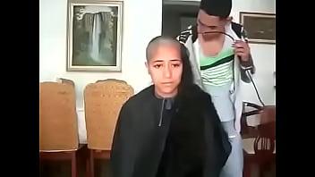 5236 مغربية سوسية تحلق شعرها الطويل preview