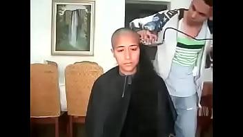14425 مغربية سوسية تحلق شعرها الطويل preview