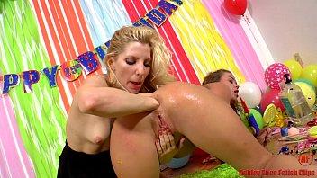 Lisa raye ass - Ashley fires and roxy raye anal cupcakes