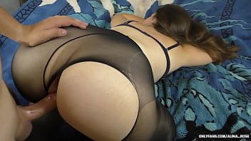 19 YEAR OLD STEPSISTER WITH A BIG ASS AND IN PANTYHOSE FUCK