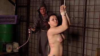 Chubby whore tied and whipped by the inquisitor