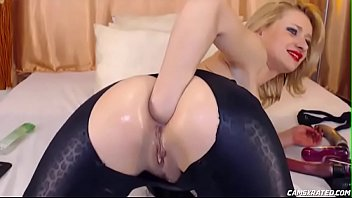 Awesome Mom Gaping Her Holes