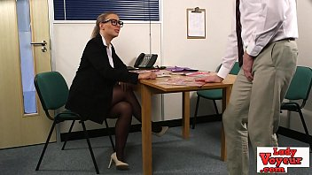 Sexy office chick coaxes dude to jerk off