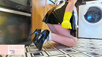 LET ME SHINE UR COCK MASTER - LATEX MAID - Shannon Heels