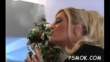 Young Gal Enjoys Smokin'