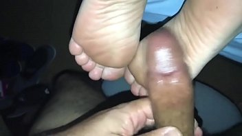 KD soles get cum on them