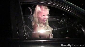 y. girl extreme PUBLIC pussy fucking through car window