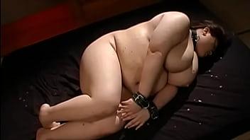 สาวอ้วนชะตาหีขาดมาถ่ายหนังxเรื่องแรกโดนจับเย็ดแบบซาดิสโหดๆหื่นๆJapanese Porn – 29 Min