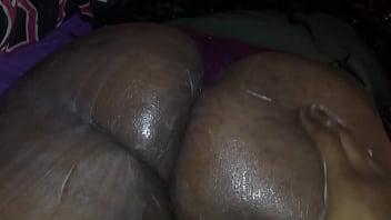 Fat ass booty I'm finna nut on