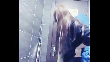 員工曖昧追求刺激感從廁所幹到倉庫1