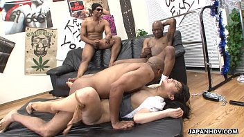 Three black men destroy the Asian sluts pussy 8分钟