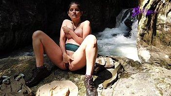Exploradora Colombian (Tatiana Morales) Lara Croft cosplay Vorschaubild