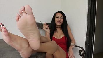 Smoking Hot Feet With Goddess Mercy