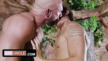 Horny Tender Twink Kaleb Stryker Tricks Older Man And Pounds Him On Camera In His Hotel Room