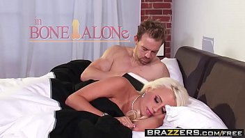Brazzers - Real Wife Stories - (Jacky Joy), (Erik Everhard) - Bone Alone 8分钟