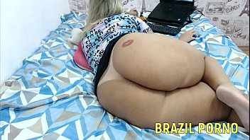 Bumbumgigante Bum Bum Gigante Brazilian Big Ass Se Masturbando Com Pau No Cuzinho Anal