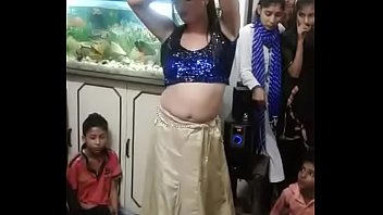 Hot Sexy Indian Girl Dance