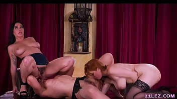Naughty Lesbian threesome with Penny Pax, Karlee Grey and Sinn Sage - GirlsWay