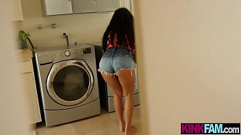 Latina Stepsist er Teen Fucked By A Stepbrothe By A Stepbrothers Big Dick