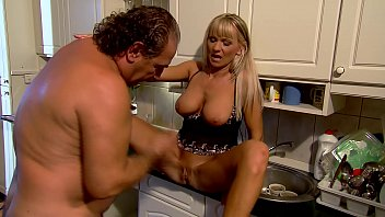 Amateur erotic mature - Mature mom fucks in kitchen - winnie