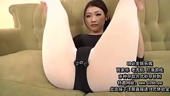 被狂草的丝袜瑜伽美女教练 2 h 9 min