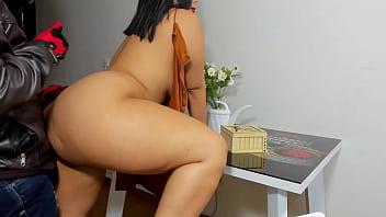 big booty latina fucks the delivery guy on thanksgiving night porno izle