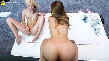 Teen foyer net Hot teen learns from bubble butt babe