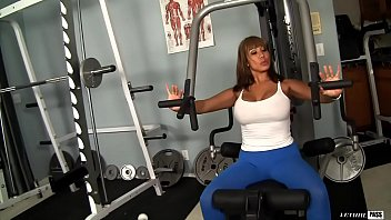 Ava Devine is a huge titty nympho that workouts on the cock 10 min