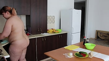 Completely Naked, Chubby Milf Prepares Breakfast For Her Boyfriend And We Spy On Her Juicy PAWG. How Does Your Girlfriend Make You Breakfast? Homemade Fetish.