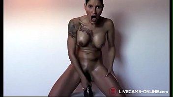 German Tattoo Girl Masturbate 7分钟